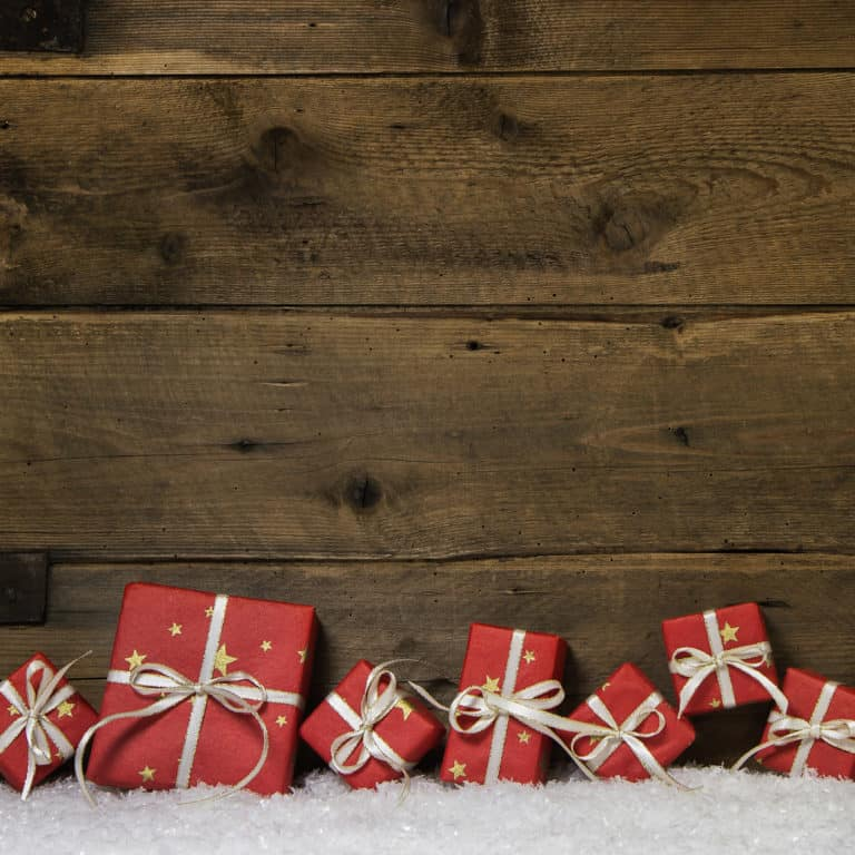 10 great gifts for her under $25: mom friends, family, hostess gifts, or babysitters – done!