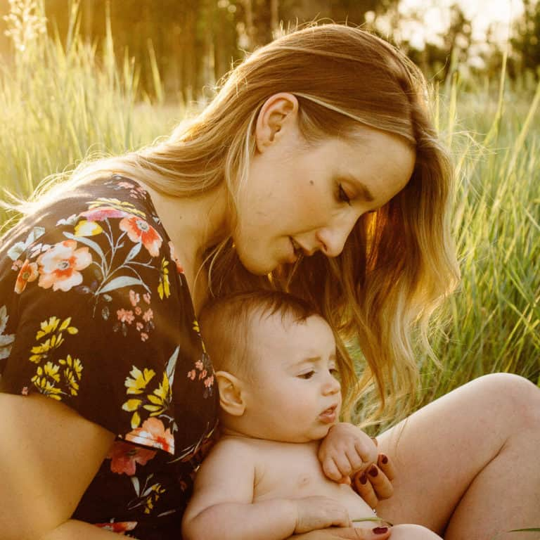 10 ways to (really) help a new mom